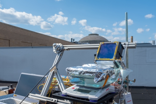 System achieves new level of efficiency in harnessing sunlight to make fresh potable water from seawater.